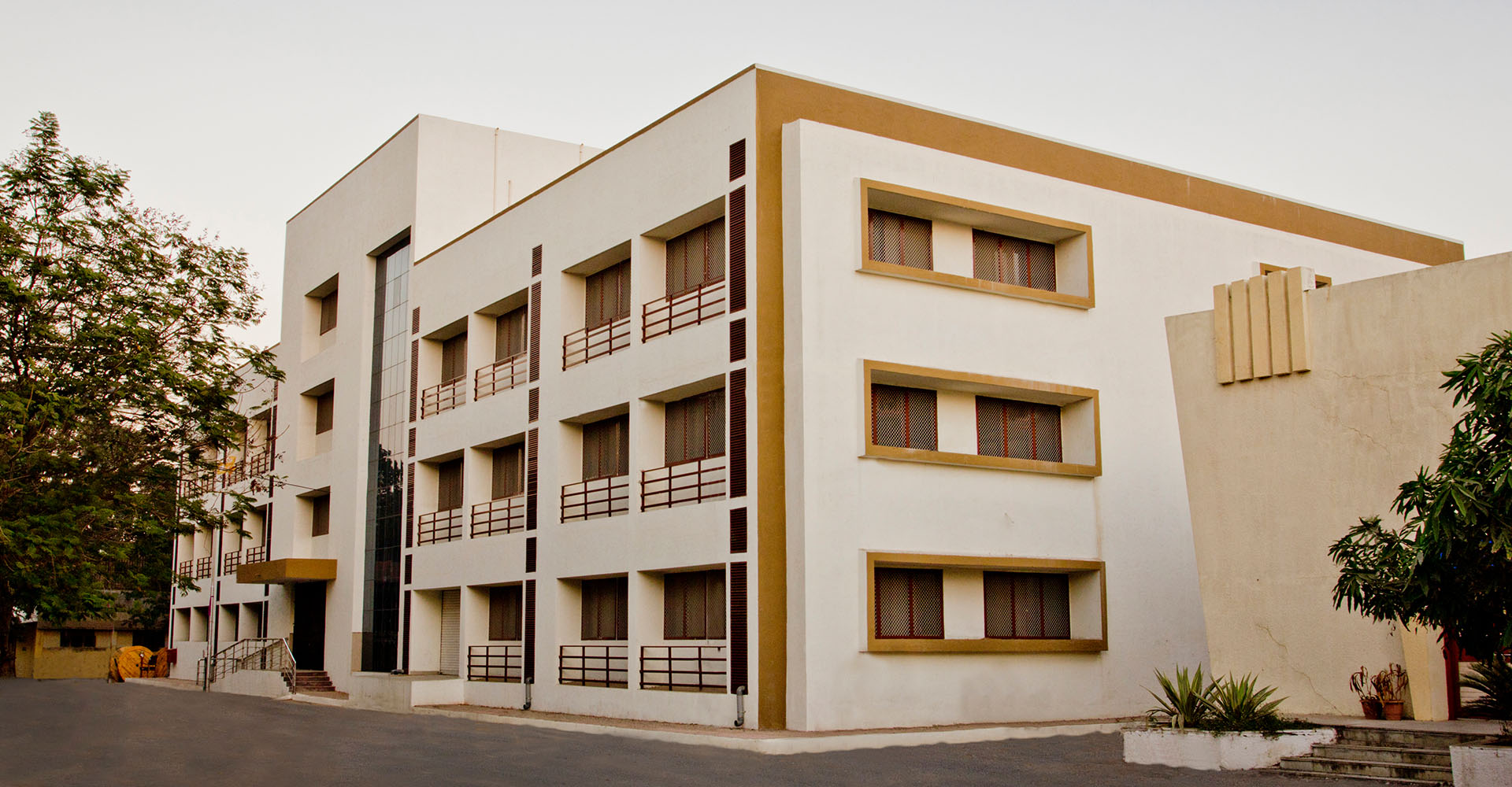 Sardar Vallabhbhai National Institute of Technology (SVNIT)-Institutional & Commercial 3