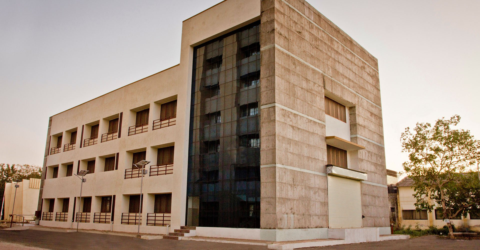 Sardar Vallabhbhai National Institute of Technology (SVNIT)-Institutional & Commercial 1