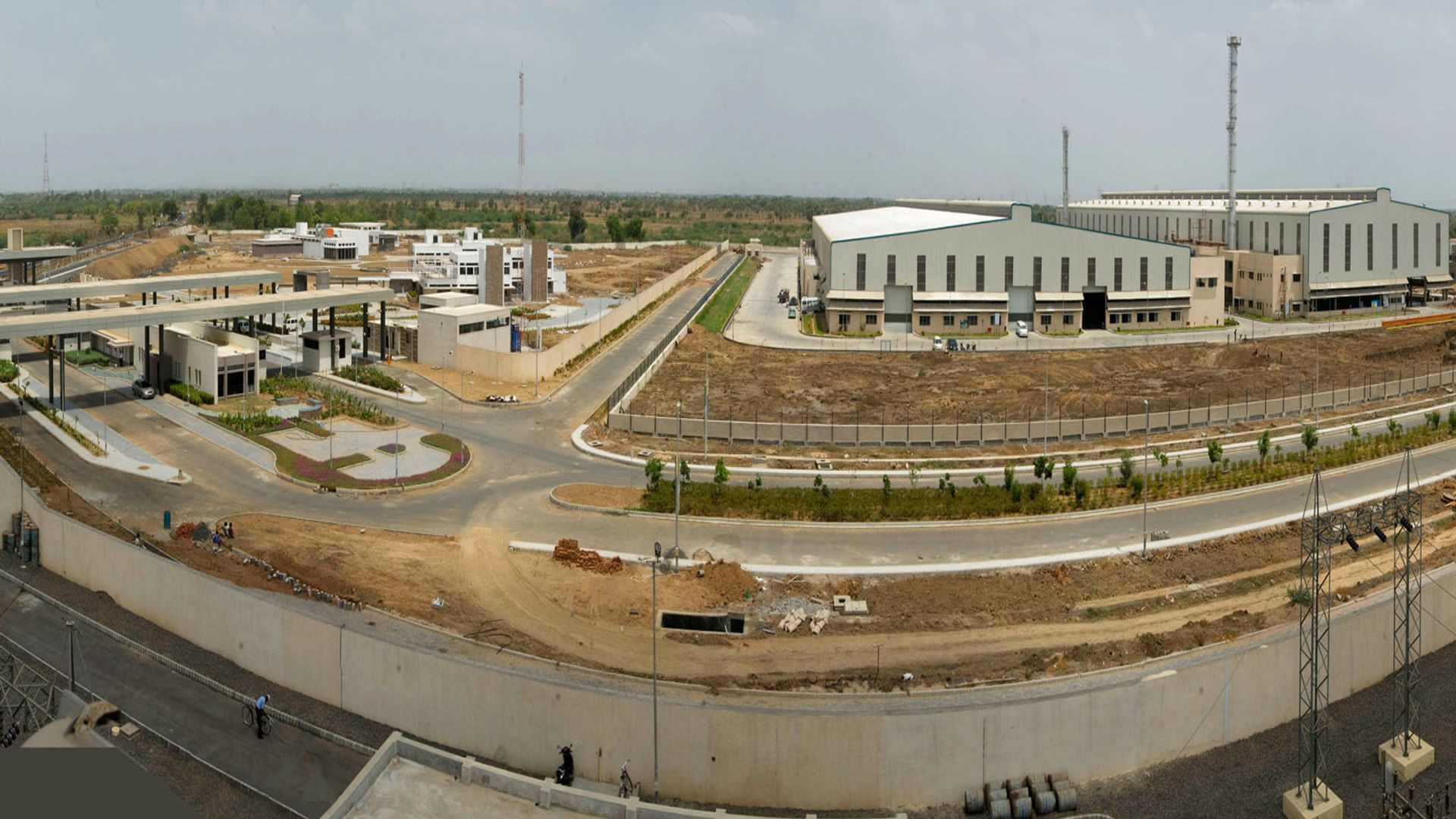 Suzlon Industrial Park-Industrial Parks & Warehouses 1